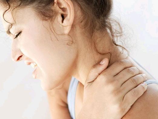 Що робити, якщо болить шия?