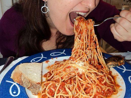 Як їсти спагетті?