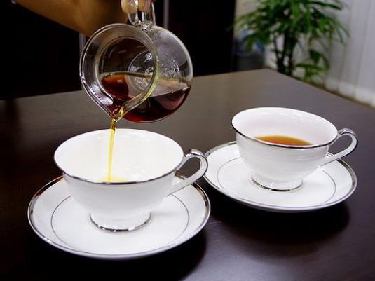 Як подавати чай?