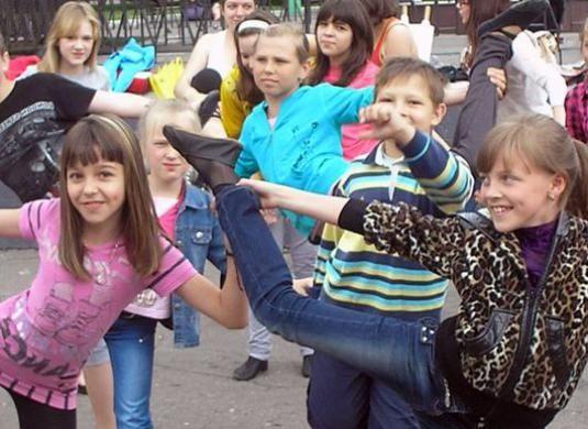 Як танцюють діти?