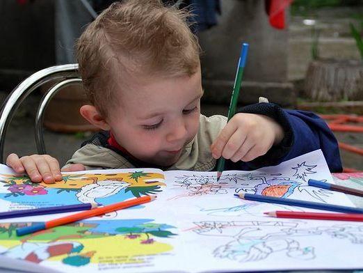 Чому діти малюють?
